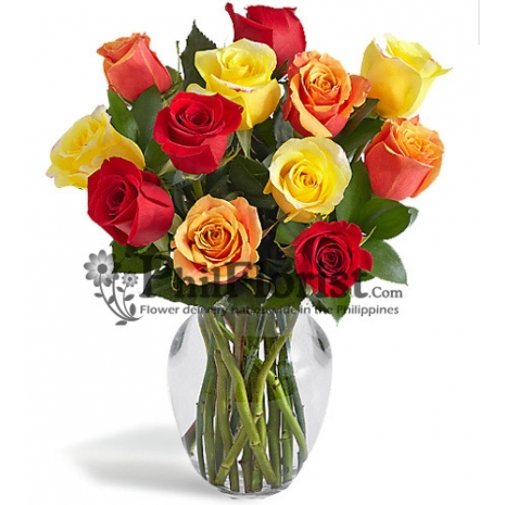 12 Mxied Roses in Vase
