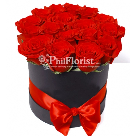 12 Red and Roses in Box to Philippines