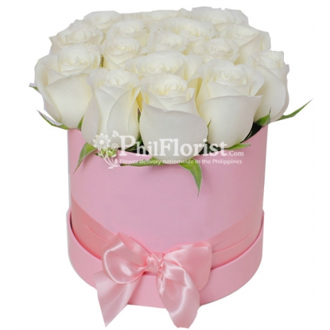12 White Roses in Box To Philippines